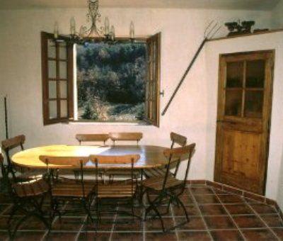 Vakantiewoningen huren in Riez La Romaine, Provence-Alpen-Côte d'Azur Alpen de Haute-Provence, Frankrijk | vakantiehuis voor 9 personen