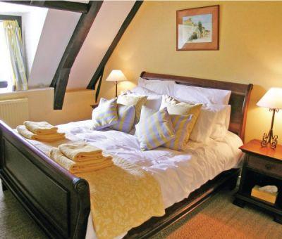 Vakantiewoningen huren in Neuvic, Limousin Corrèze, Frankrijk   luxe vakantiehuis voor 8 personen