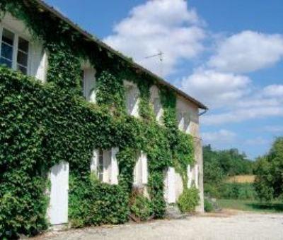Vakantiewoningen huren in Salles-de-Barbezieux, Poitou-Charentes Charente, Frankrijk | vakantiehuis voor 9 personen