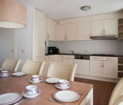 Vakantiehuis Bruinisse: villa Heerenhuys 14 personen