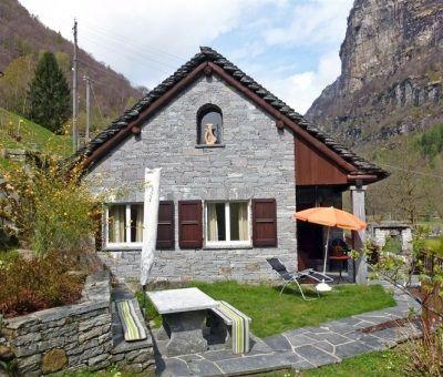 Vkantiewoningen huren in Verzasca, Ticino, Zwitserland | vakantiehuis voor 5 personen