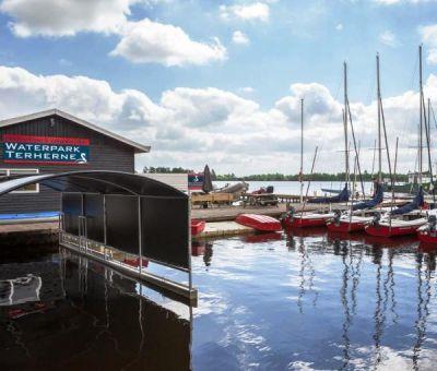 Vakantiewoningen huren in Terherne, Friesland, Nederland | Waterwoning voor 10 personen