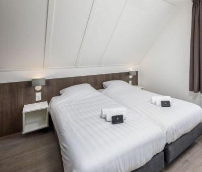 Vakantiehuis Nieuwvliet-Bad: Luxe bungalow voor 8 personen