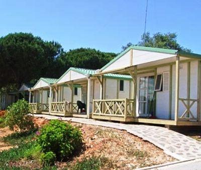 Vakantiehuis spanje goedkoop vakantiehuisjes huren mol for Bungalows dentro del mar
