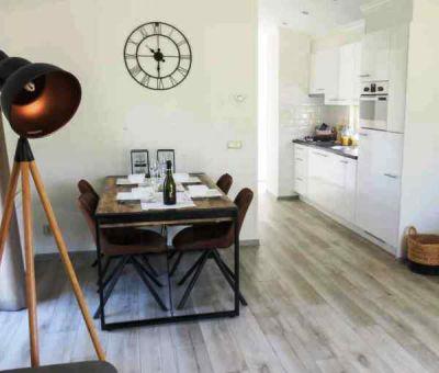 Vakantiehuis Biddinghuizen: Chalet type Velthorst 4-personen