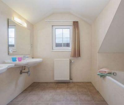 Vakantiewoningen huren in Moselhohe Ediger-Eller (Cochem), Rijnland - Palts Saarland, Duitsland   luxe villa voor 8 personen