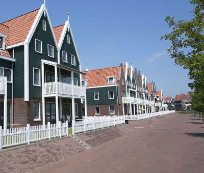 Vakantiehuis Volendam: aangepaste comfort bungalow voor 4 personen