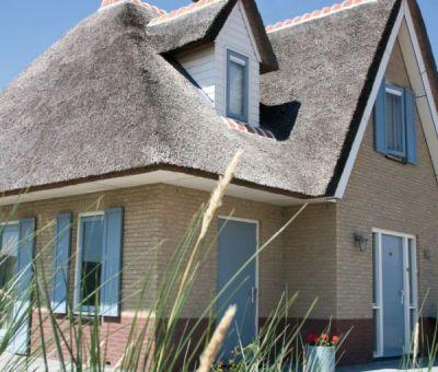 Vakantiewoningen huren in Julianadorp aan Zee, Noord Holland, Nederland | luxe villa met buiten jacuzzi voor 6 personen
