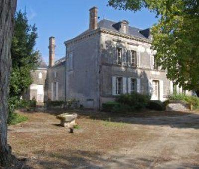 Vakantiewoningen huren in Montlieu-la-Garde, Poitou-Charentes Charente-Maritime, Frankrijk | vakantiehuis voor 12 personen