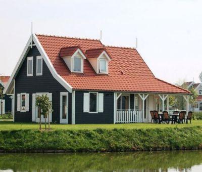 Vakantiehuis Bruinisse: villa Buitenhuis Royal 8 personen