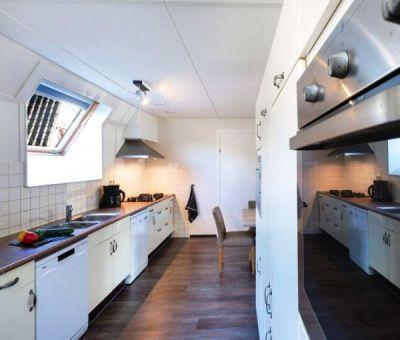 Vakantiehuis Oosterhout: Bungalow type FV22L 22-personen